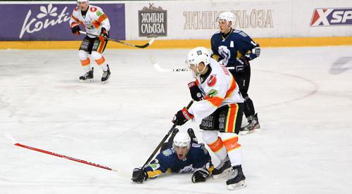Волки сыграют с Кременчуком на ледовой арене Айсберг