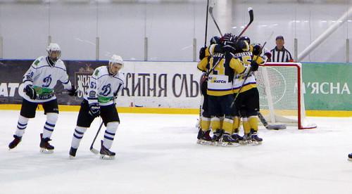 Белый Барс обыграл МХК Динамо в Белой Церкви