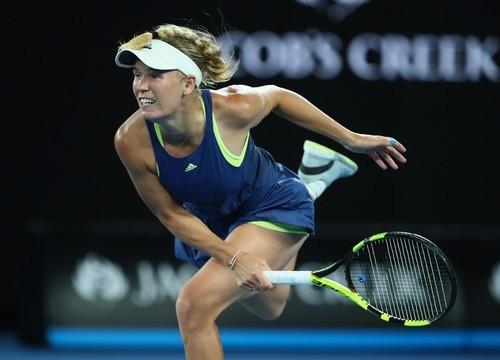 Возняцки вышла в полуфинал Australian Open