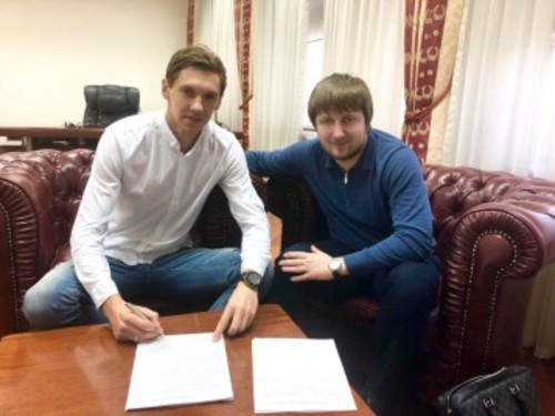 Динамо продлило контракт с Гармашем