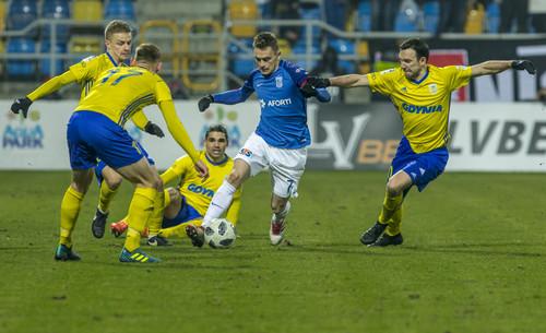 Хобленко и Богданов в очной встрече дебютировали в чемпионате Польши