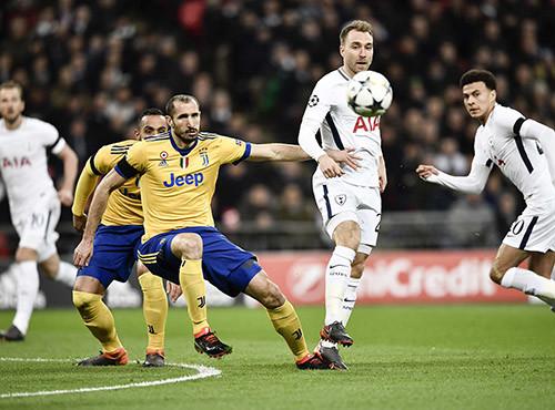 Ювентус обыграл Тоттенхэм и вышел в 1/4 финала Лиги чемпионов
