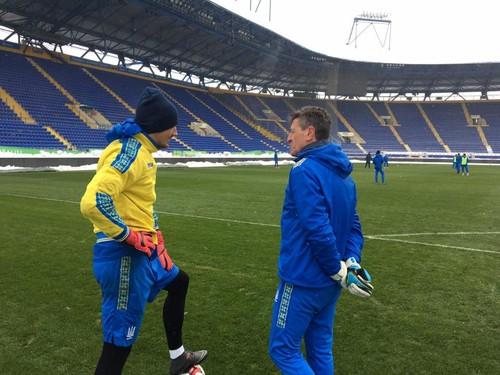 ФОТО ДНЯ: Як збірна України тренувалася в Харкові при температурі -6