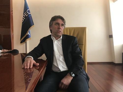 Томас ГРИММ: «Украине нужен плавный переход на платное телевидение»