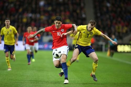 Шведы уступили чилийцам, пропустив на последней минуте