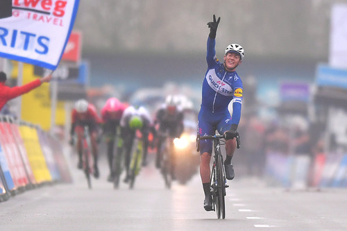 Бельгиец Лампарт выиграл гонку Мирового тура Дварс дор Фландерен
