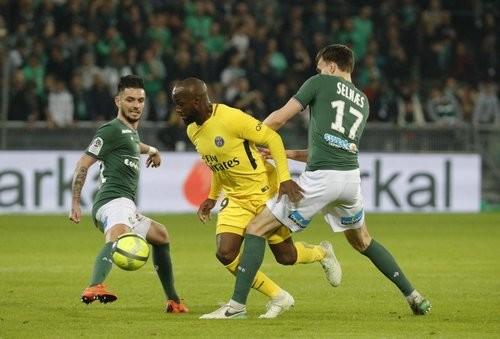 ПСЖ спасся от поражения в матче против Сент-Этьена