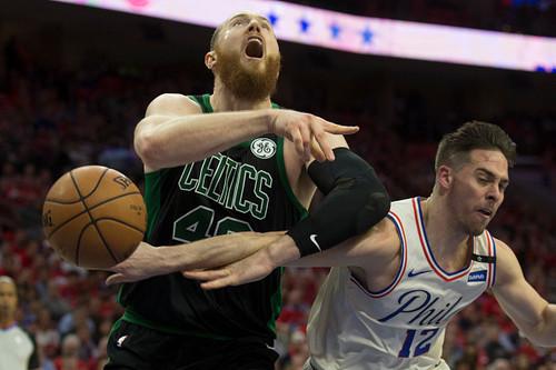 НБА. Филадельфия обыграла Бостон