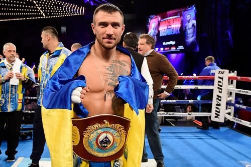 Ломаченко потеряет один из титулов, если победит Линареса