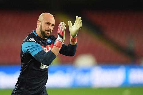 Милан подтвердил подписание Рейны
