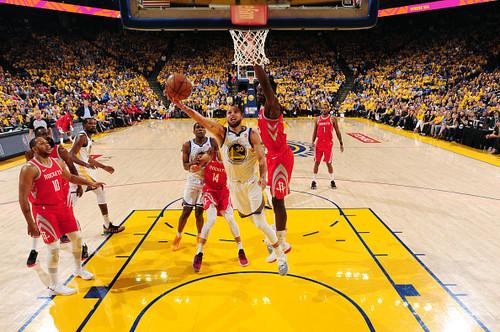 НБА. Голден Стэйт разгромил Хьюстон и вышел вперед в серии плей-офф