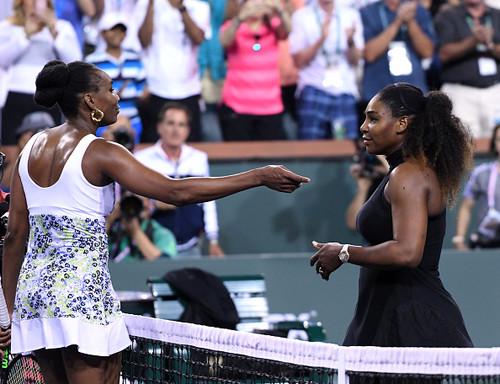 Сестры Уильямс проведут выставочный матч