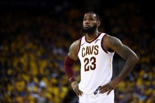 Леброн Джеймс проведет переговоры с четырьмя клубами НБА