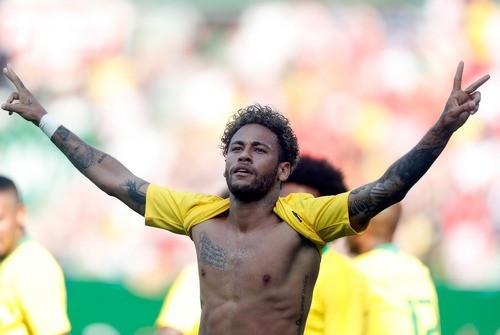 Неймар догнал Ромарио по голам за сборную Бразилии