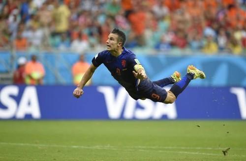 Четыре года назад ван Перси забил знаменитый гол Испании