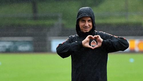 Шахтер в Германии: команда учится атаковать под дождем