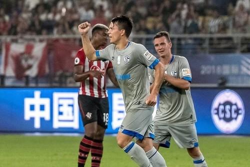 Коноплянка забил гол в первом контрольном матче Шальке