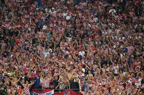 ВИДЕО ДНЯ. Хорватские фанаты «зажгли» Загреб