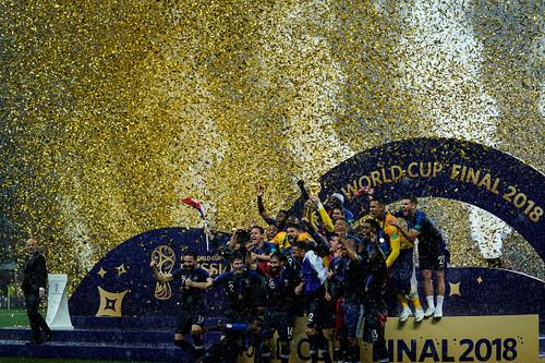 Франция стала чемпионом мира по футболу, Джокович выиграл 4-й Уимблдон
