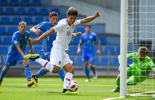Украина разгромлена Португалией, Мариуполь упустил победу в матче ЛЕ