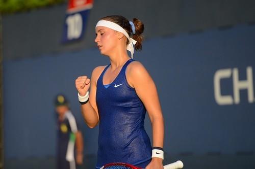 Калинина выиграла первый матч на турнире в Пенсильвании