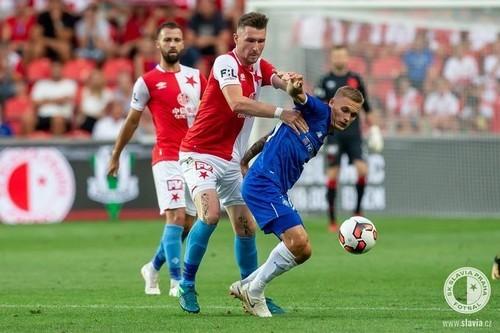 УЕФА закрыл один сектор на матче Динамо-Славия