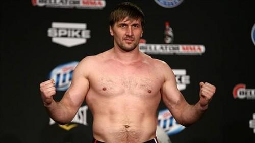 Виталий Минаков перешел в Bellator