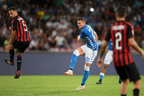Наполи отыграл два мяча и победил Милан