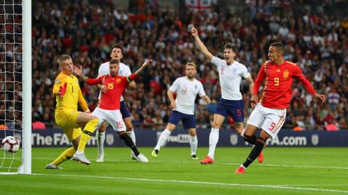 Испания одержала волевую победу над Англией в выездном поединке