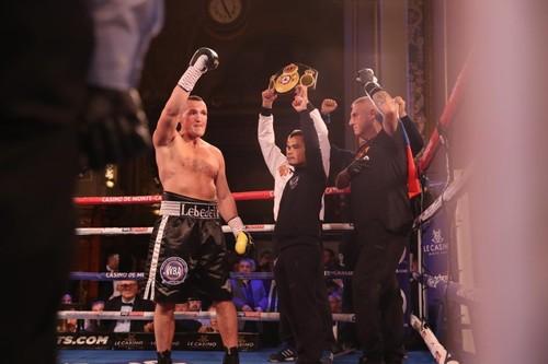 Денис Лебедев решением судей победил Майка Уилсона