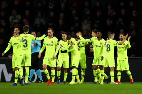 Барселона в 20-й раз выиграла группу Лиги чемпионов — это рекорд